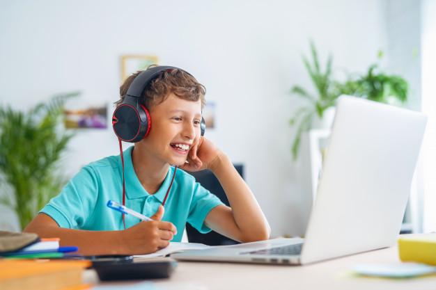Manfaat Les Privat Jarak Jauh Untuk Sang Anak