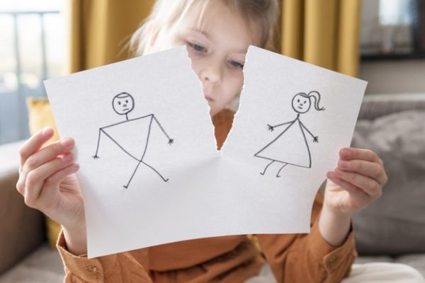 7 Cara Mengatasi Anak Yang Mengalami Broken Home Dalam Belajar